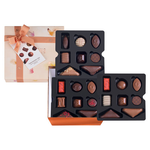 Spring Large Square Gift Box image number 01