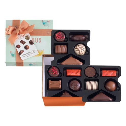 Spring Medium Square Gift Box image number 01