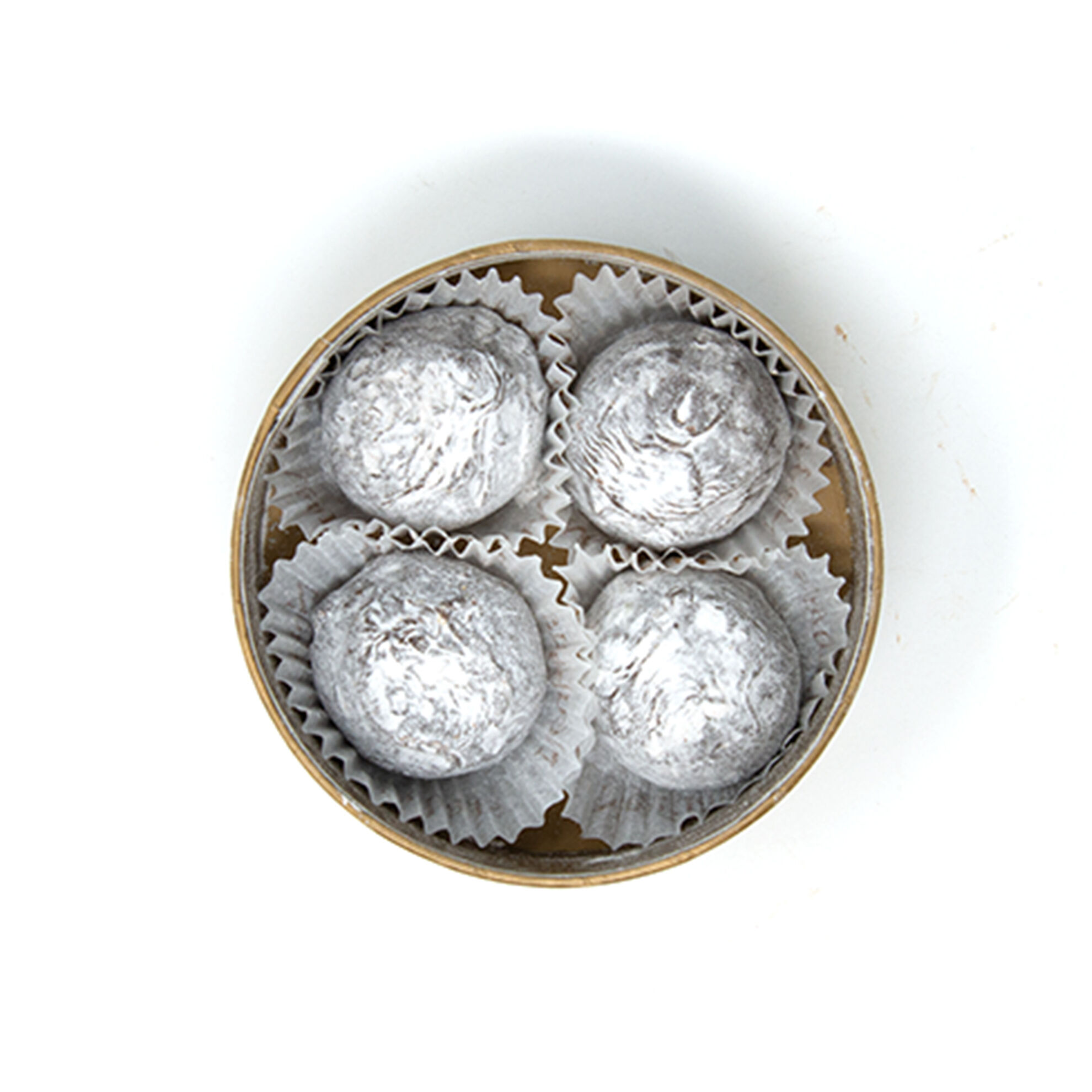 Champagne Truffles in Round Box 4 pcs image number 21